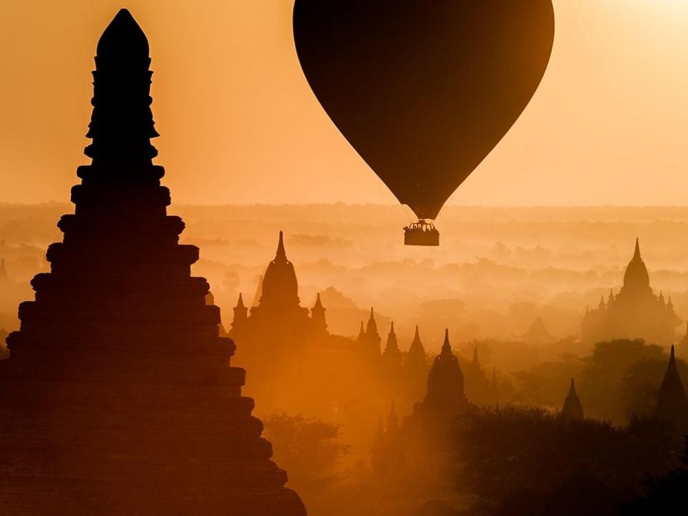 Amanecer en el reino de Bagan, Myanmar.