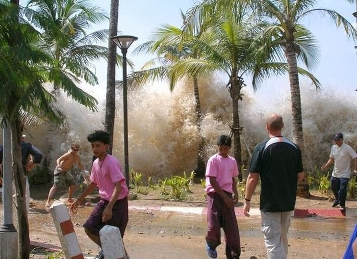 tsunami en tailandia