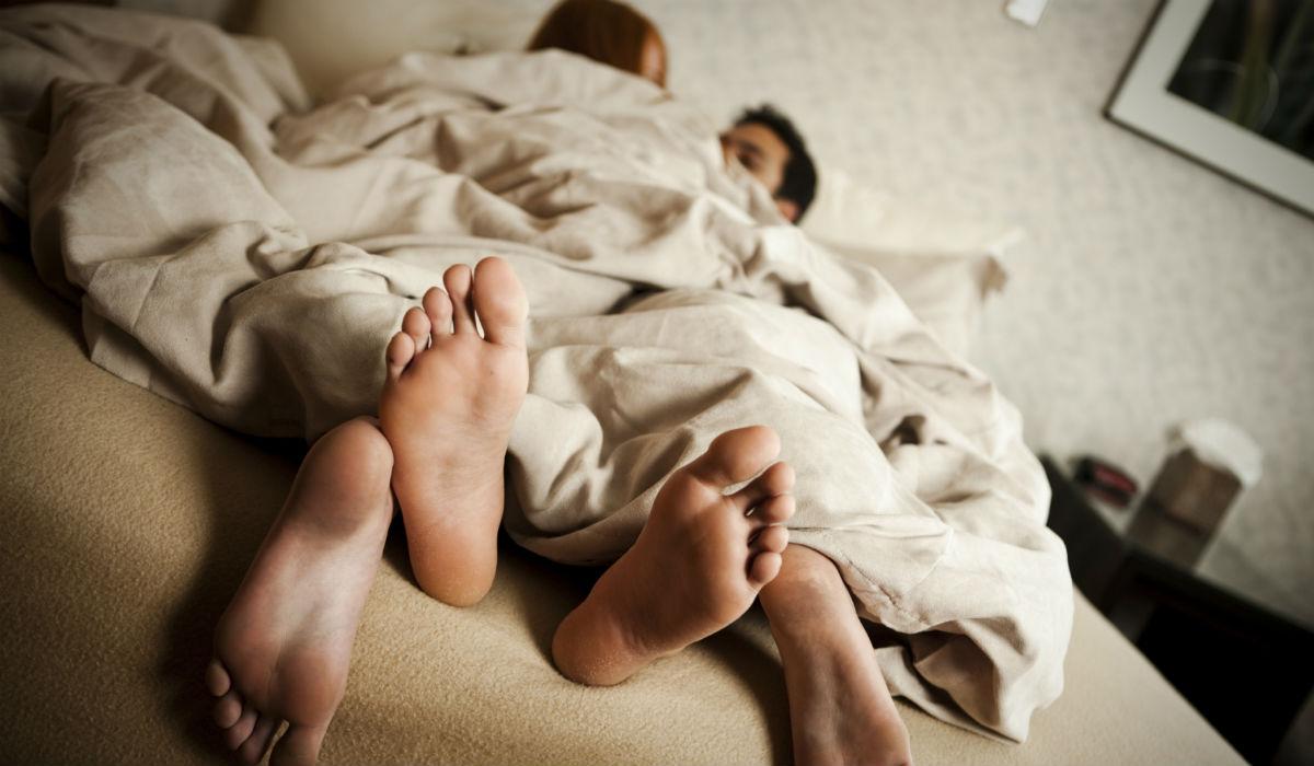 Cinco formas de combatir el frío en pareja