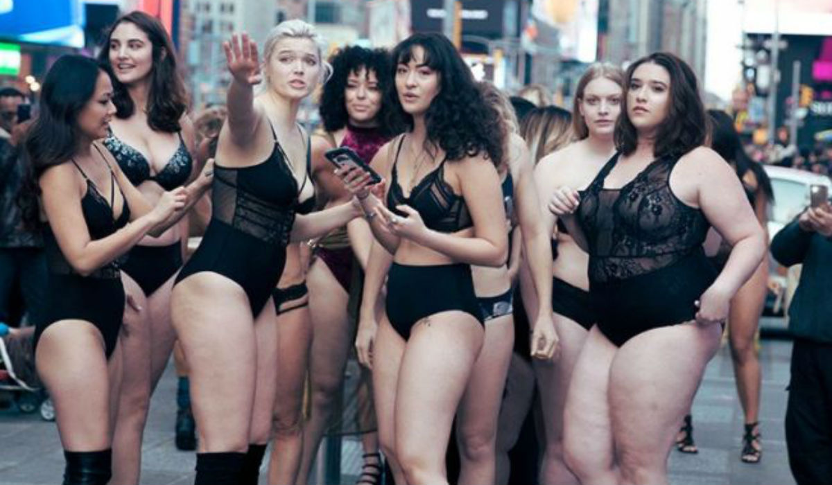 Lencería paraliza Times Square